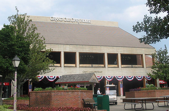 Grand Ole Opry House - Image Credit: http://en.wikipedia.org/wiki/File:Opry-house,_Nashville.jpg