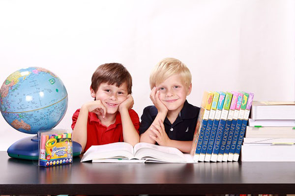 Children Studying - Image Credit: http://pixabay.com/en/users/White77-185772/