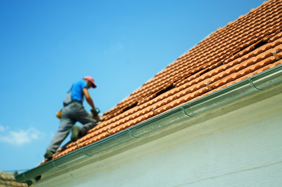 When to Repair a Roof