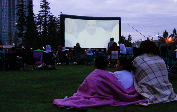 Movies in the Park - Image Credit: https://www.flickr.com/photos/waferboard/6041360282/